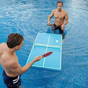 Table de ping-pong flottante pour piscine