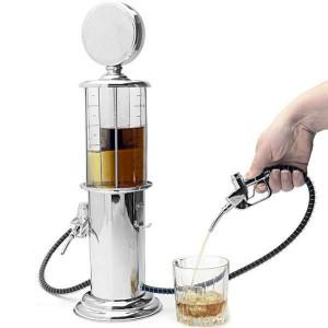 Pompe à essence boisson