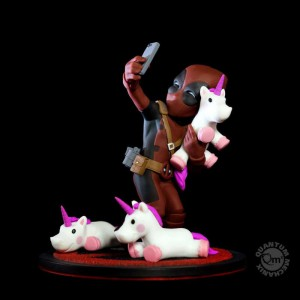 Figurine Marvel - Q-Fig Deadpool unicornselfie 10 cm