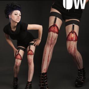 Porte-jarretelles sanglants