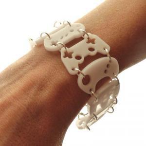 Le bracelet manettes de console