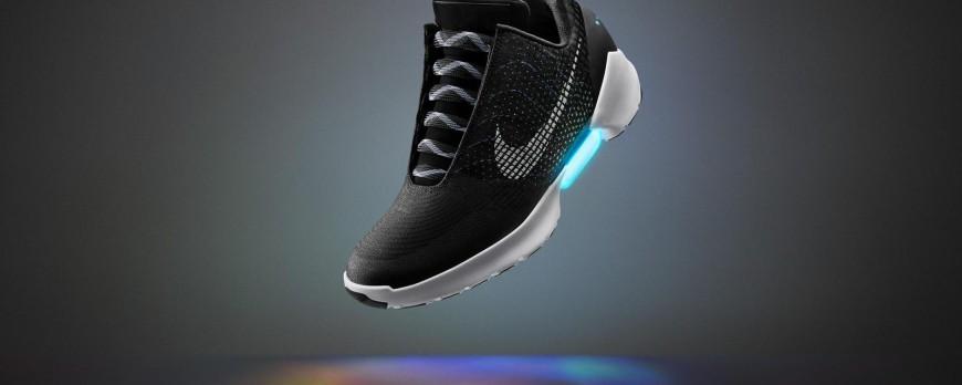 Paire Annonce De Vers Retour La Chaussures Nike Futur Première Le x7a0pwaF