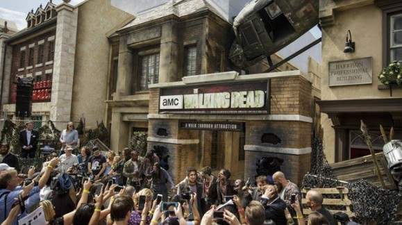 Immersion au cœur de l'attraction de The Walking Dead, les premières images enfin disponibles !